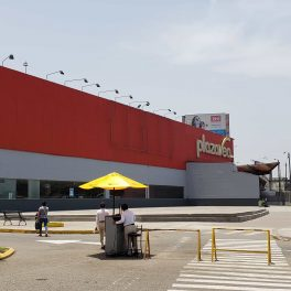 Plaza Vea Izaguirre5-min